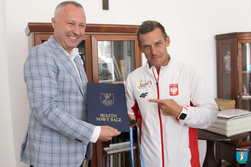 Dariusz Popiela wicemistrz Europy w K-1