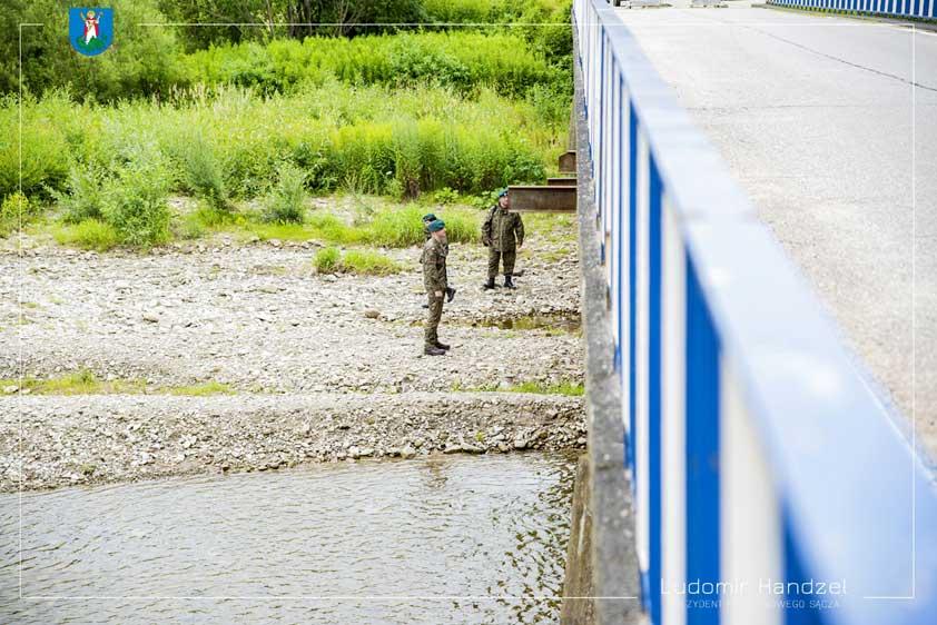 Zamknięcie mostu na rzece Kamienica w Nowym Sączu